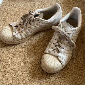 vintage women's adidas shoe